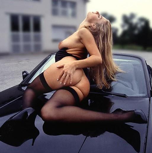 lasziv und sexy auf dem Cabrio